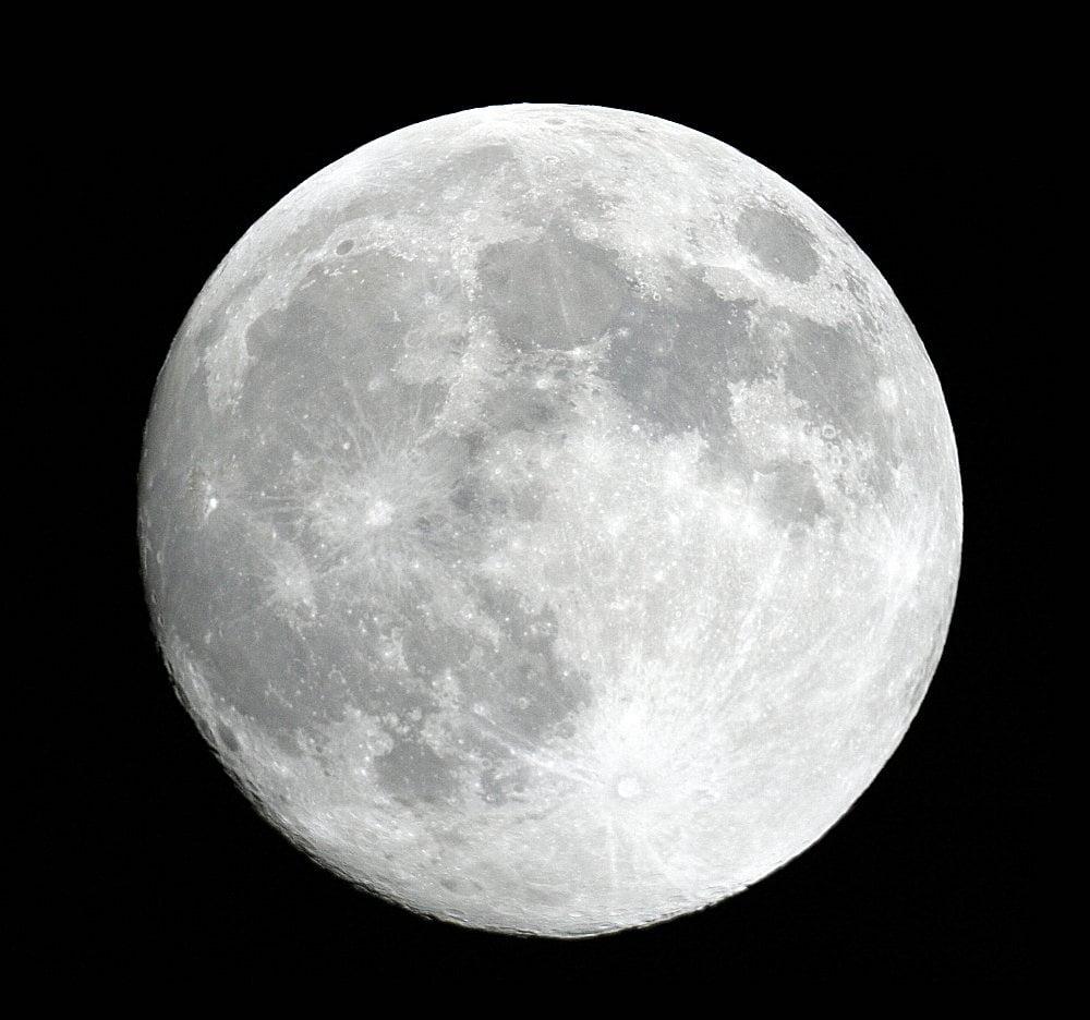 astronomia nel cuore della luna ci sono le stesse