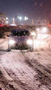 traffico strada neve