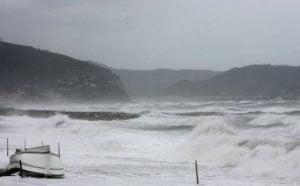 maltempo-temporali-al-sud-venti-forti-e-mareggiate-a-centrosud-1