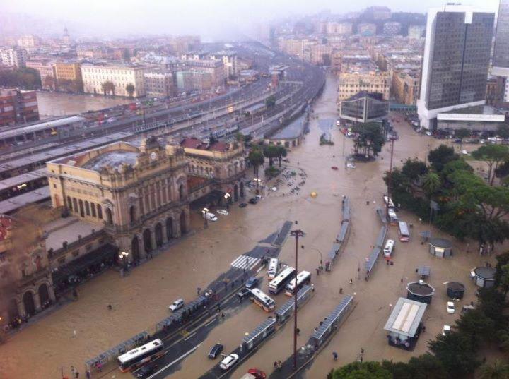 Risultati immagini per Alluvione genova 2011