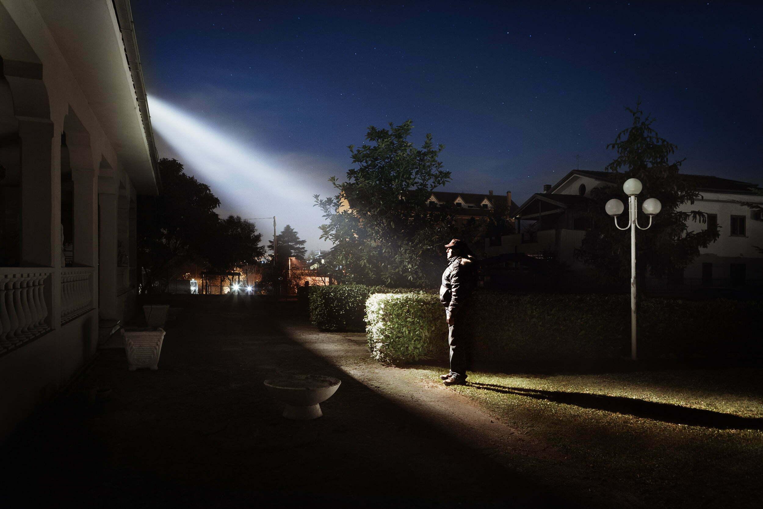 Ufo su una casa rurale in scozia spaventa una famiglia nel for Foto di decorazione della casa del cottage