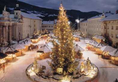 Mercatini Di Natale A Bolzano Foto.Bolzano Assalto Di Turisti Al Mercatino Di Natale Meteo Web