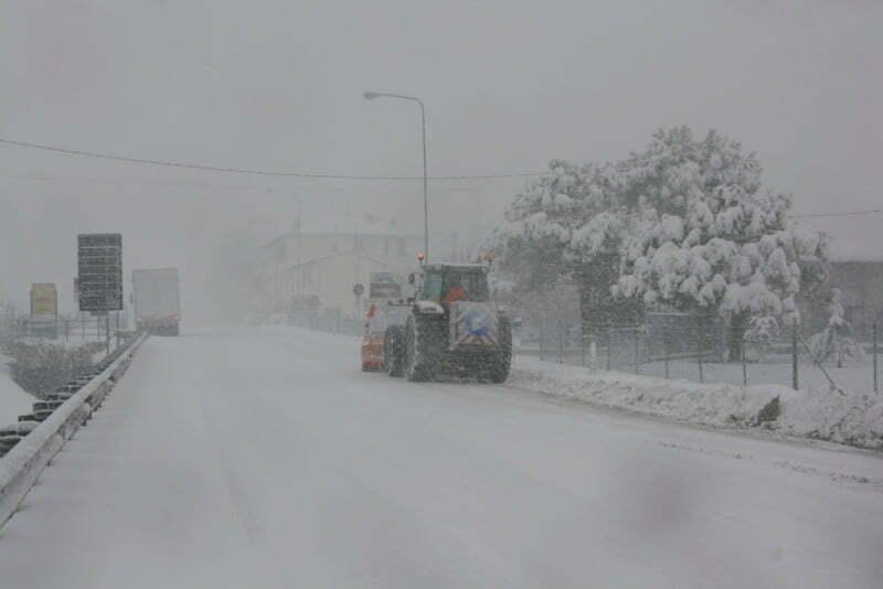 Allerta meteo tra oggi e domani tanta neve su tutti i - Meteo bagno di romagna domani ...