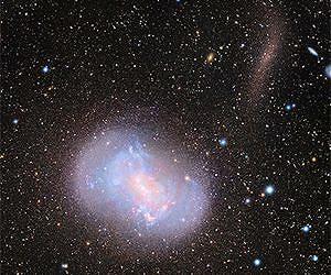 Astronomia una fusione tra galassie nane meteo web for Foto galassie hd