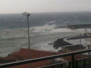 Mareggiata-sul-Porto-di-Tremestieri-Messina-Foto-di-Giulia-Cannata