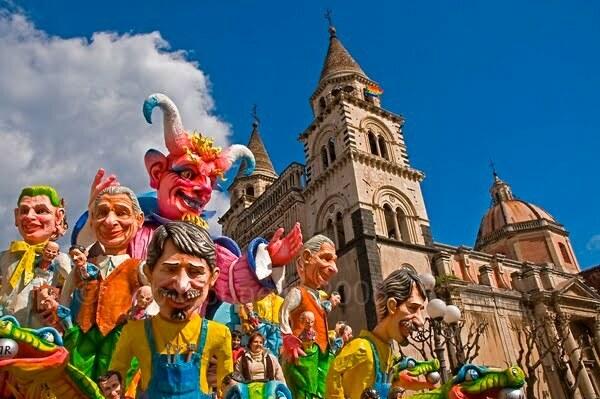 Carnevale di acireale 2018 grande festa per il debutto for Idee per carri di carnevale semplici