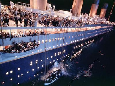 Il naufragio del Titanic dal film di James Cameron