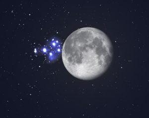 Luna e le Pleiadi