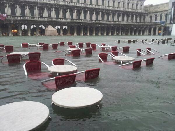 FOTO - Acqua Alta a Venezia nei giorni prima di Ferragosto