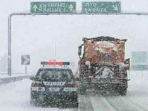 neve-gelo-italia-maltempo-strade-autostrade-treni-aeroporti-meteo-tempo-reale-aggiornamenti