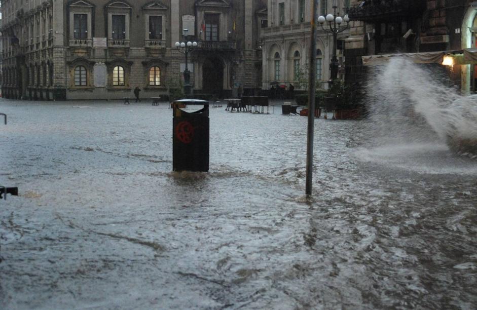 Forte nubifragio su Catania: città allagata$
