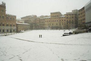 Immagine d'archivio con la neve