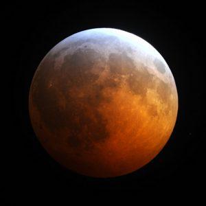 L'eclisse parziale di Luna