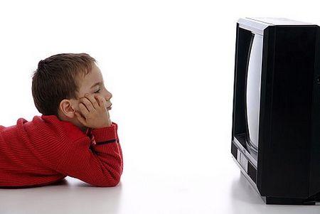 Risultati immagini per bambini televisione