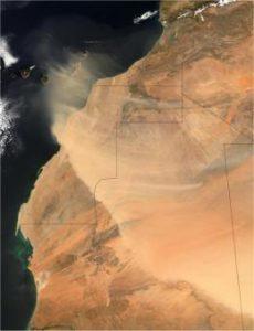 Violenta tempesta di sabbia sul Sahara occidentale precede l'avanzata dell'ITCZ