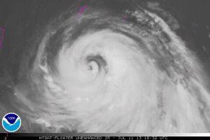 "Il tifone ""Soulik"" si avvicina mentre si avvicina su Taiwan"