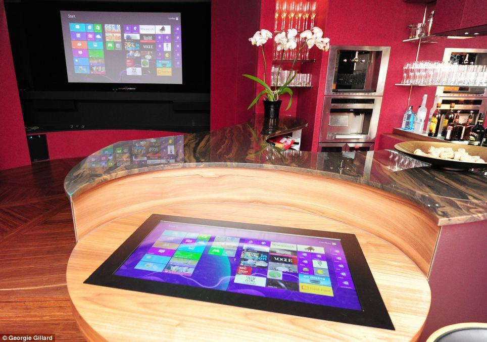 Tecnologia la casa del futuro controllata con l 39 ipad foto - Tecnologia in casa ...