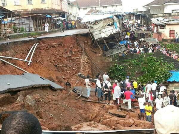 Almeno 180 persone sono morte per una frana in Sierra Leone