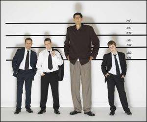 uomo alto