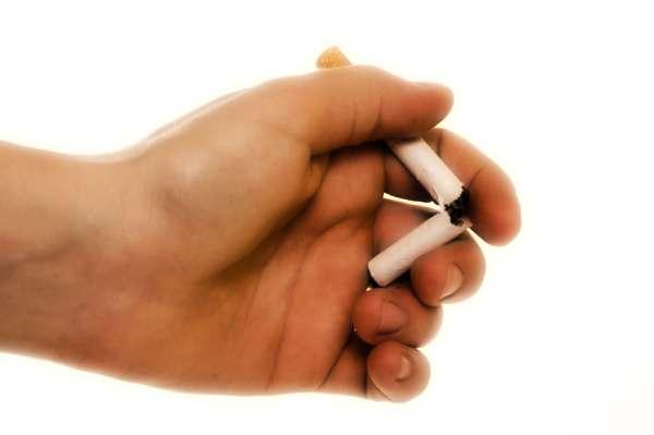 Tossicodipendenza fumante di alcool di dipendenze