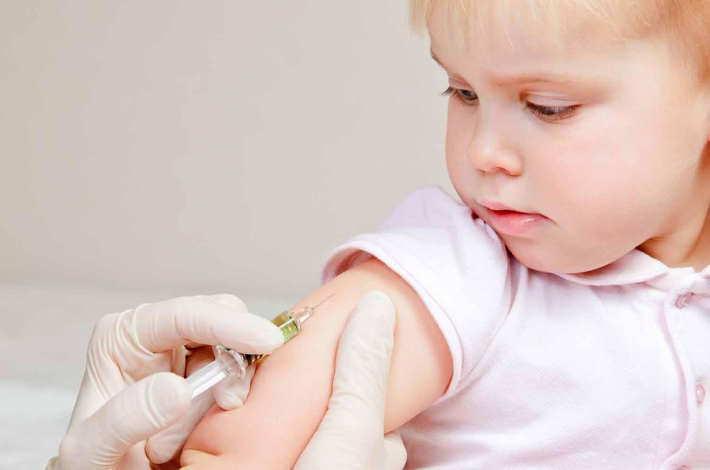 Non può andare a scuola perché i compagni non sono vaccinati