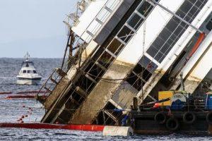 Concordia: tecnici, nave ha ruotato di 10 gradi