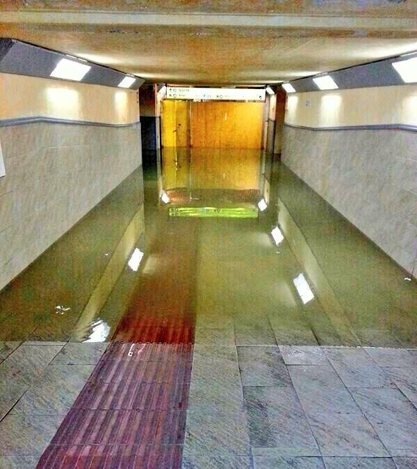 Maltempo: mezzo metro acqua in seminterrato ospedale Firenze