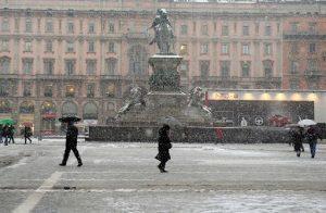Maltempo/ Maltempo: prima neve a Milano, nel pomeriggio prevista a Torino