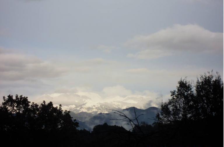Fig.5 - Le maestose Mainarde, tra Lazio, Abruzzo e Molise, sembrano confondersi con il cielo
