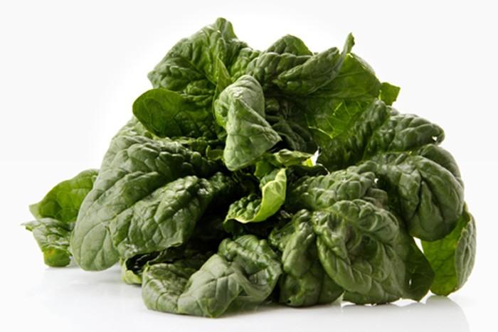Erba velenosa negli spinaci freschi: ritirati diversi lotti
