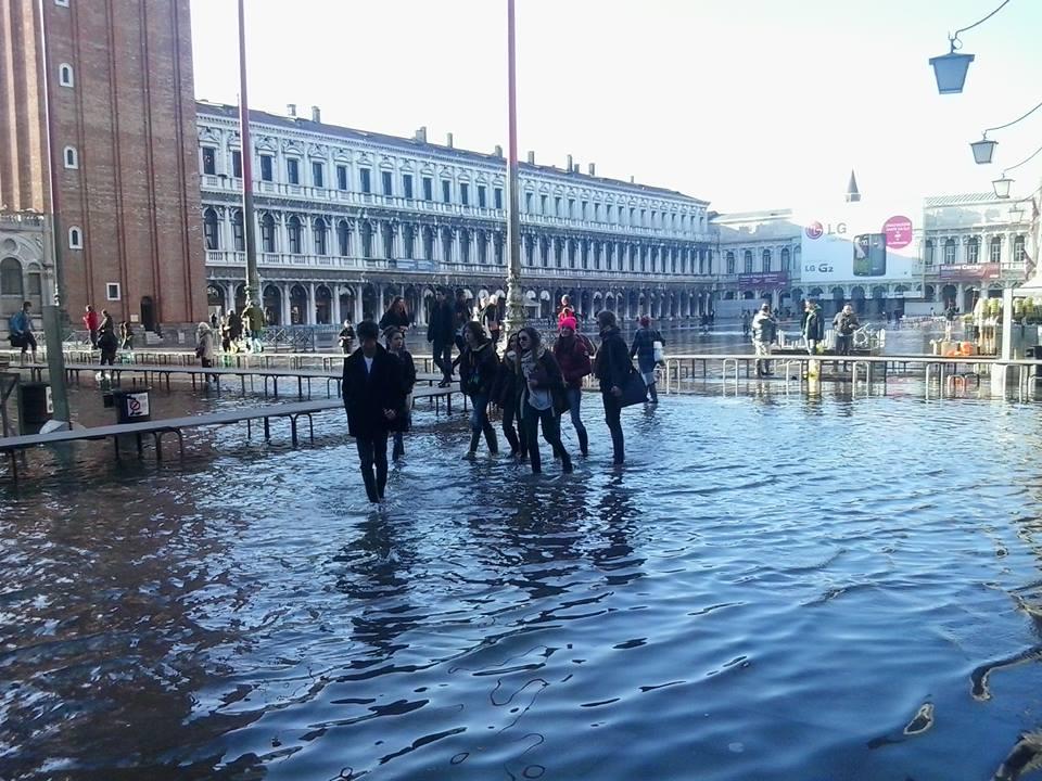 acqua alta a venezia estate 2014