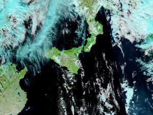 AERONET_ETNA.2013359.aqua.721.1km