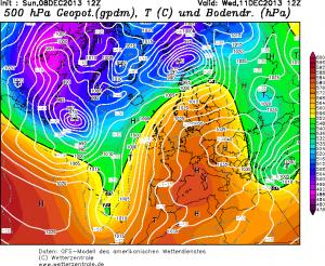 """La profonda """"depressione-uragano"""" in formazione a sud delle coste della Groenlandia"""