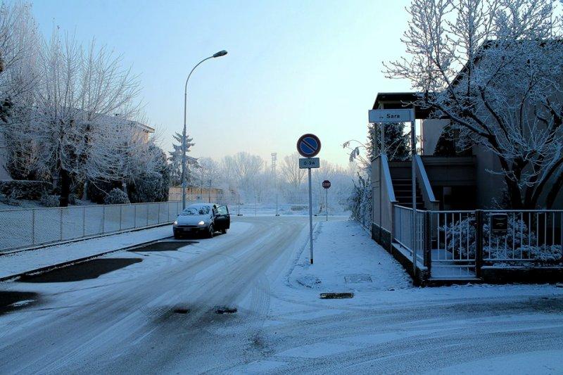 Belgio, bimbo abbandonato sul balcone al freddo per 15 ore