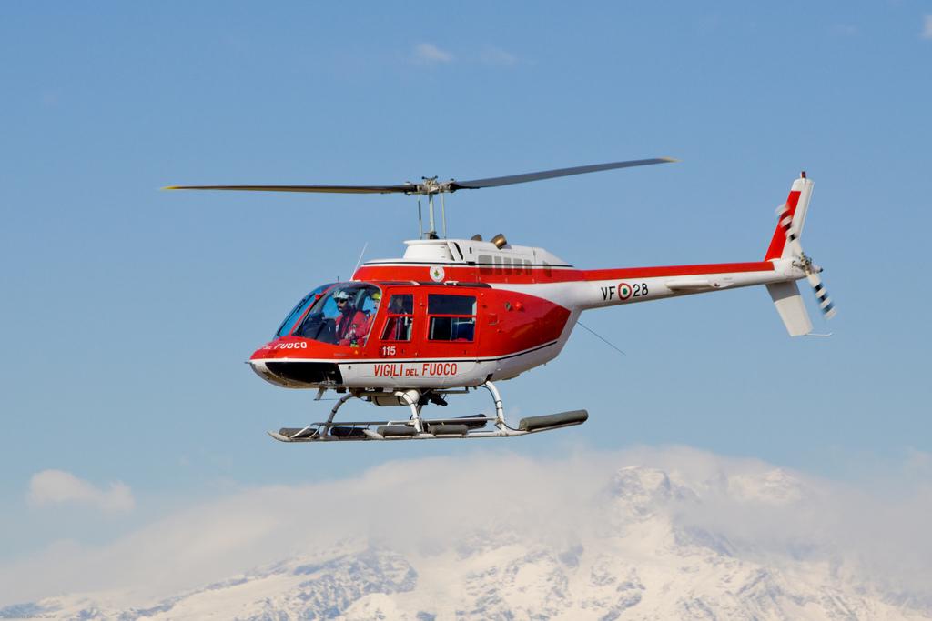 Elicottero I Inti : Maltempo elicottero salva persone bloccate nel