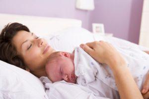 mamma e bimbo dopo parto