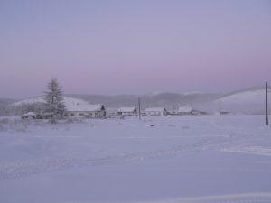 Il villaggio jacuziano di Ojmjakon durante l'inverno