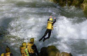 Terni/Terni, esercitazione soccorritori in acque bianche o mosse