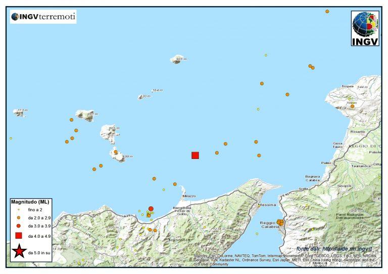 La sismicità nel mese di febbraio 2014 nell'area del Tirreno meridionale. Si nota l'evento del 13 febbraio si magnitudo ML 4.0 (quadrato rosso) e altri eventi nel golfo di Patti e Milazzo. Continua l'attività sismica in prossimità di Reggio Calabria