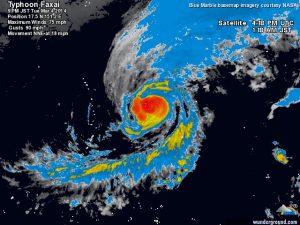 """Il piccolo tifone """"Faxai"""" mentre attraversa il Pacifico occidentale, passando davanti le isole Marianne"""