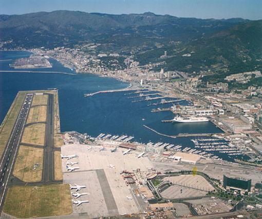 Uscita Genova Aeroporto : Aeroporto di genova pista chiusa fino alle domani