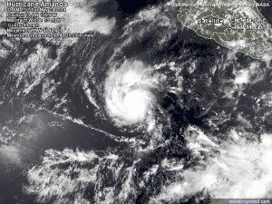 """La tempesta tropicale """"Amanda"""" mentre comincia ad evolvere in ciclone tropicale sul Pacifico orientale"""