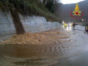 Maltempo: in Irpinia fango e detriti su tratto A16