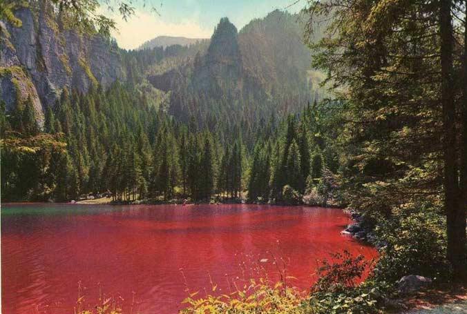 I colori naturali pi strani dei laghi da verdi a rossi for Disegni di laghi