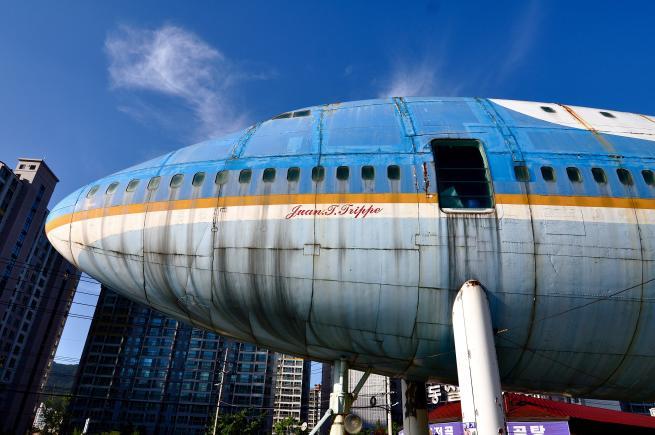 Un aereo nel bel bezzo della citt ecco il primo boeing for Pezzi di arredamento