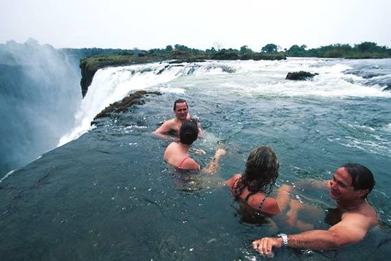 Cascate vittoria e piscina del diavolo uno dei luoghi pi - Odore di fogna in bagno quando piove ...