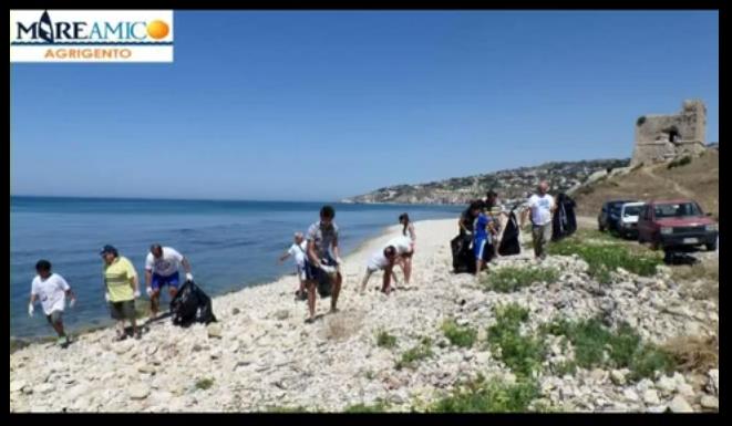 Ambiente ripulita da volontari la spiaggia torre san for Meteo palma di montechiaro