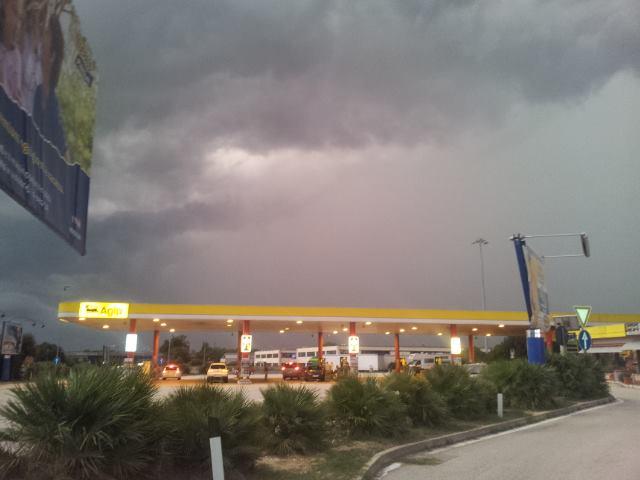 Maltempo Violento Temporale Tra Ancona E Porto Recanati