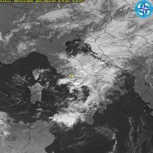 I temporali in sviluppo fra le coste tirreniche e la Sicilia