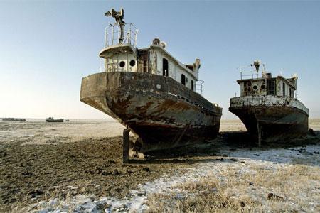 Lago d 39 aral prosciugato uzbekistan chiede aiuto for Cabine del lago vuoto